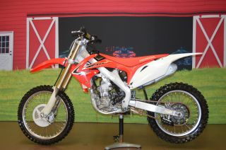 Make Offer 2012 Honda Crf 250r,  Four Stroke,  Has Title,  Fuel Injected,  Pro Taper photo
