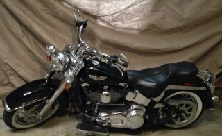2005 Harley Davidson Softail Deluxe Flstni photo