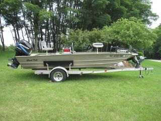 2005 Alumacraft Mv1860awcc photo