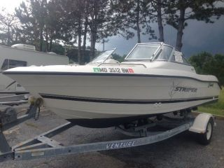 2002 Seaswirl Striper Dual Console photo