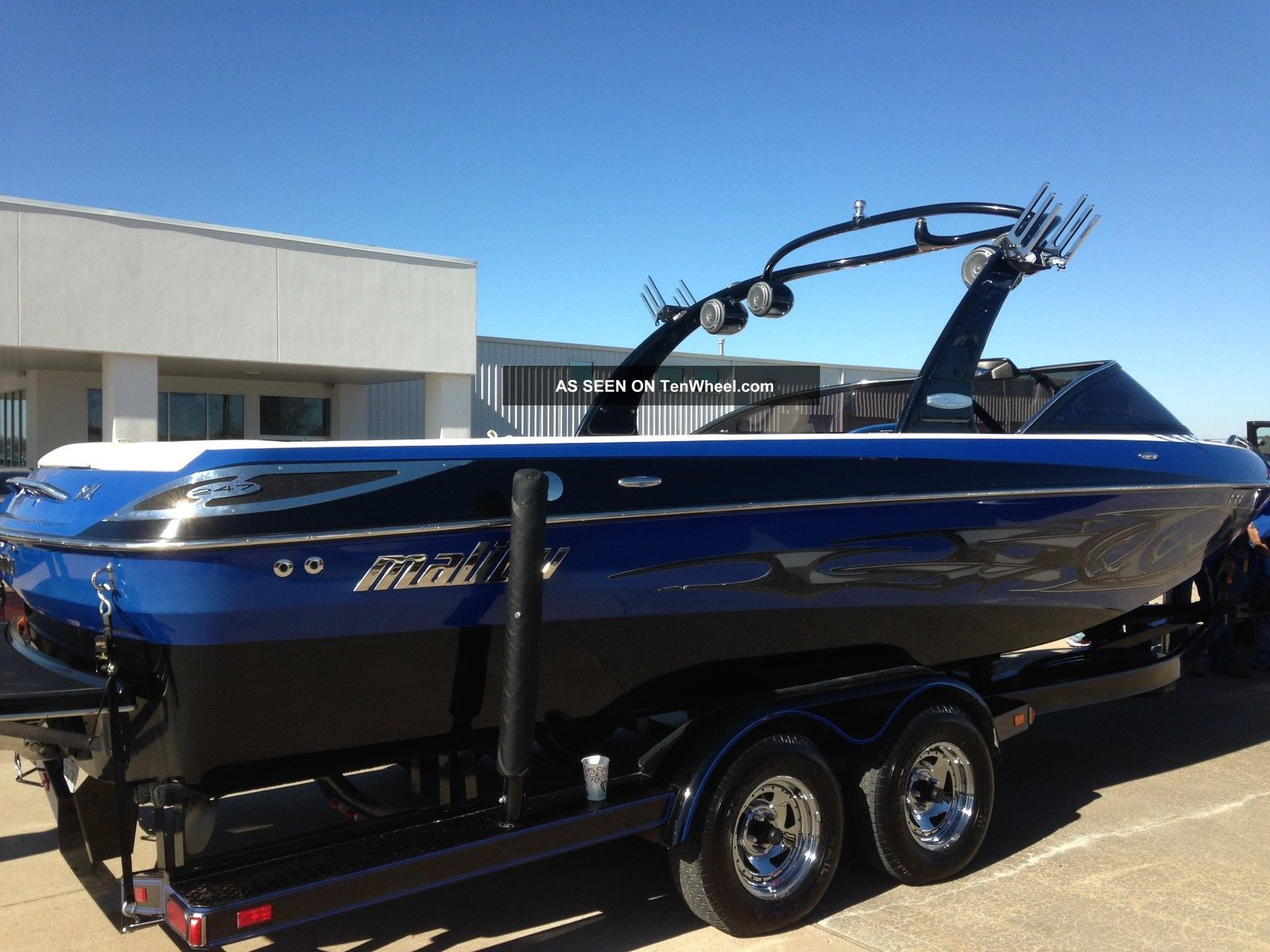 2007 Malibu Wakesetter Ski / Wakeboarding Boats photo