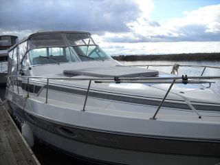 1989 Cruisers Inc Mid Cabin Express Cruiser 3270 photo