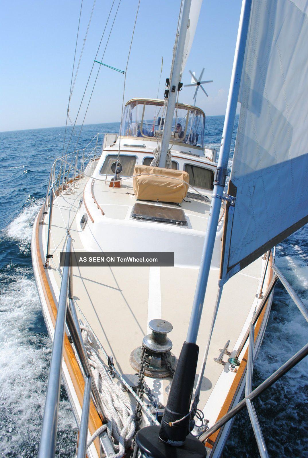 1980 Gulfstar Sailmaster Sailboats 28+ feet photo