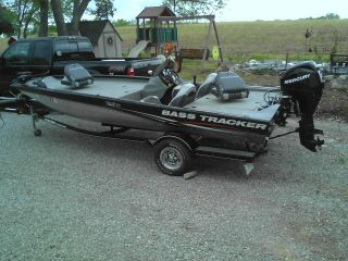 2010 Bass Tracker Pro Team 190 Tx photo