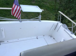1986 Bayliner Contessa 2850 photo