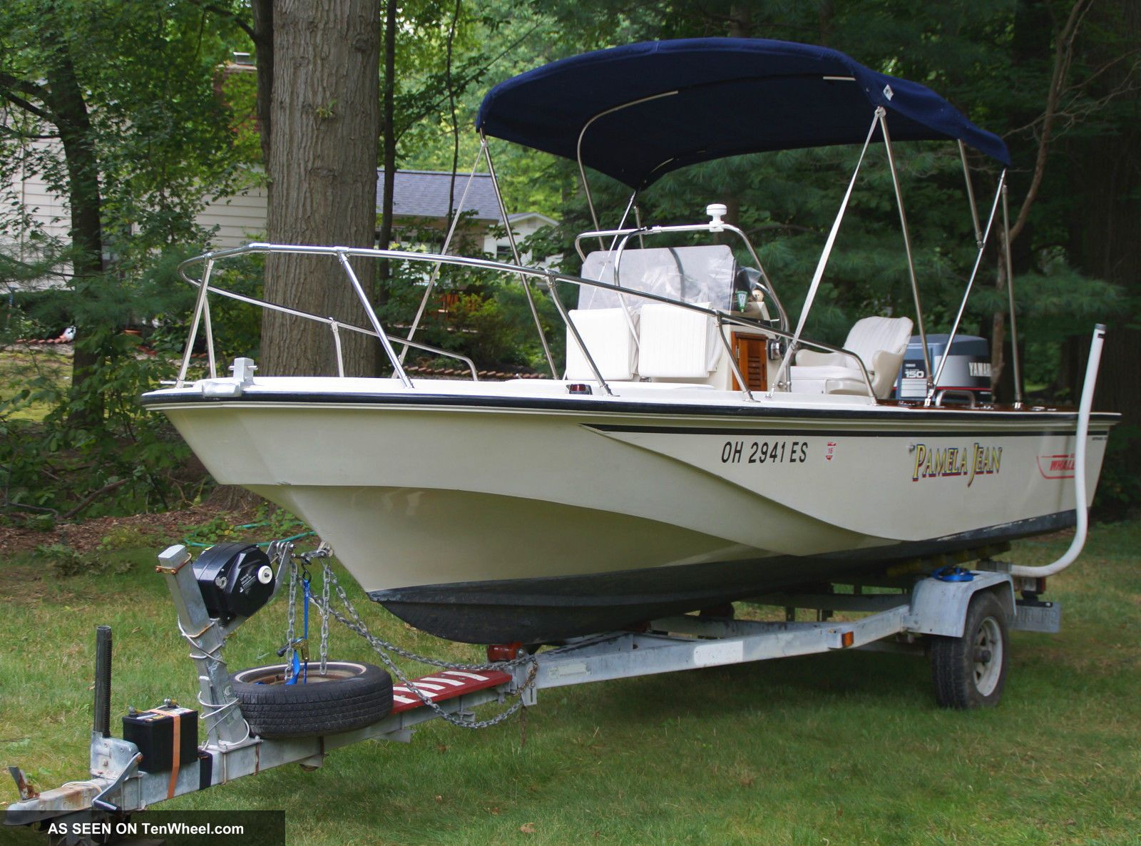 1987 Boston Whaler Outrage Runabouts photo