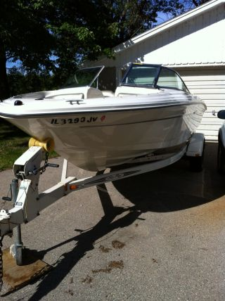 2004 Sea Ray 185 Sport photo