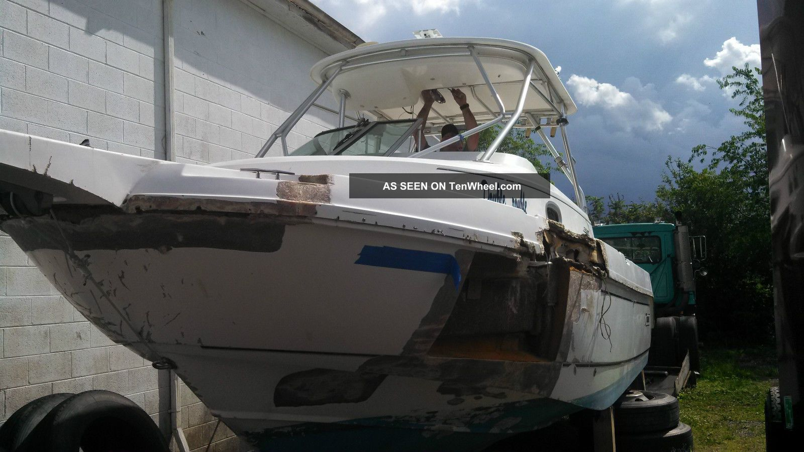2002 Boston Whaler 275 Conquest Offshore Saltwater Fishing photo