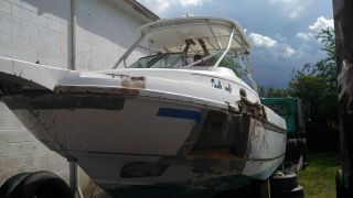 2002 Boston Whaler 275 Conquest photo