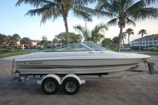 2002 Wellcraft 190 Excalibur Platinum Edition photo