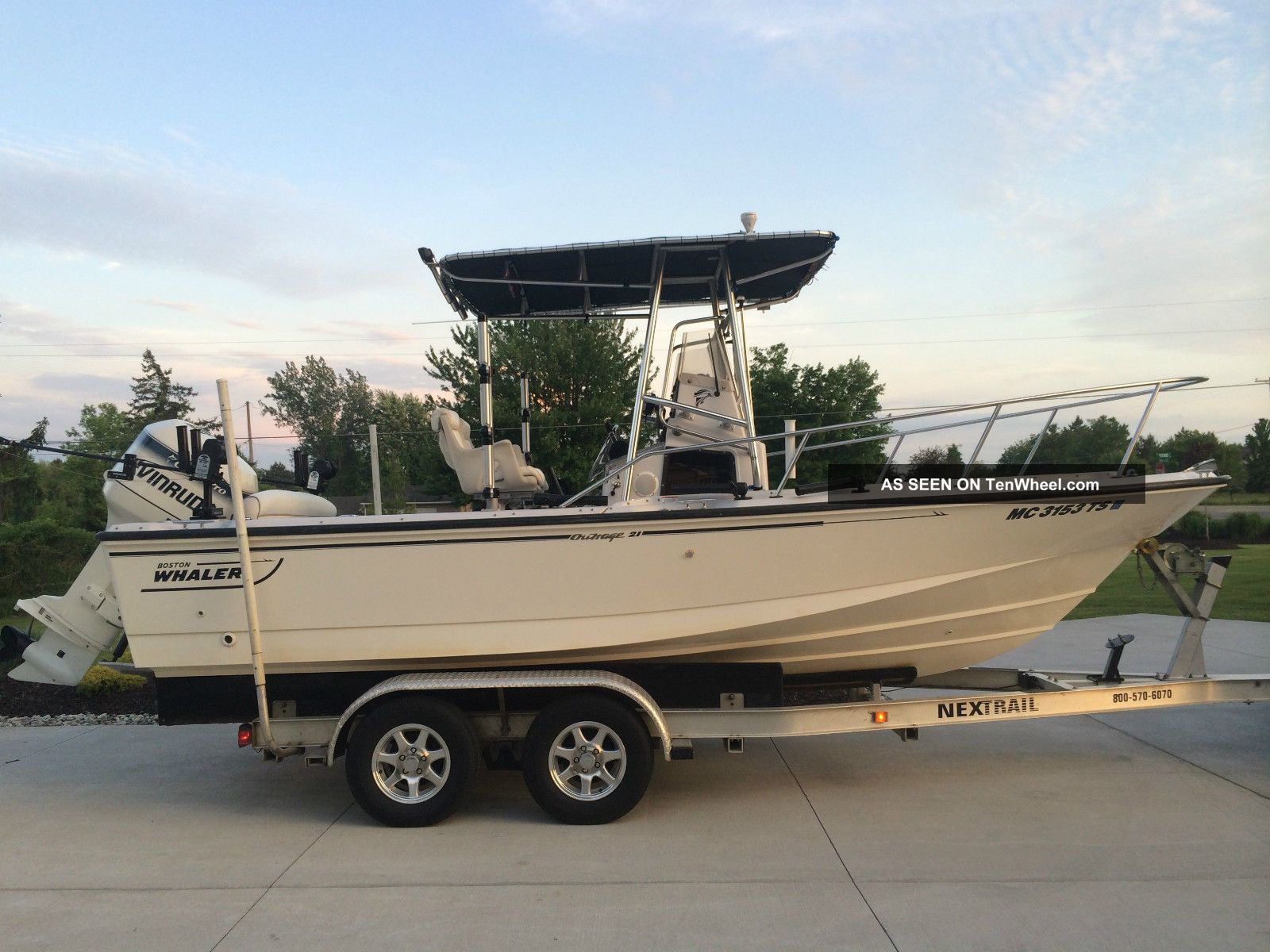 1996 Boston Whaler 210 Outrage
