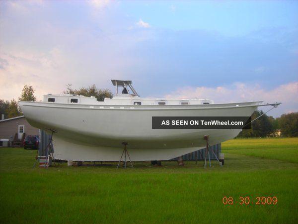 2005 George Sutton Design 10,  000 Lead Ballast. Sailboats 28+ feet photo