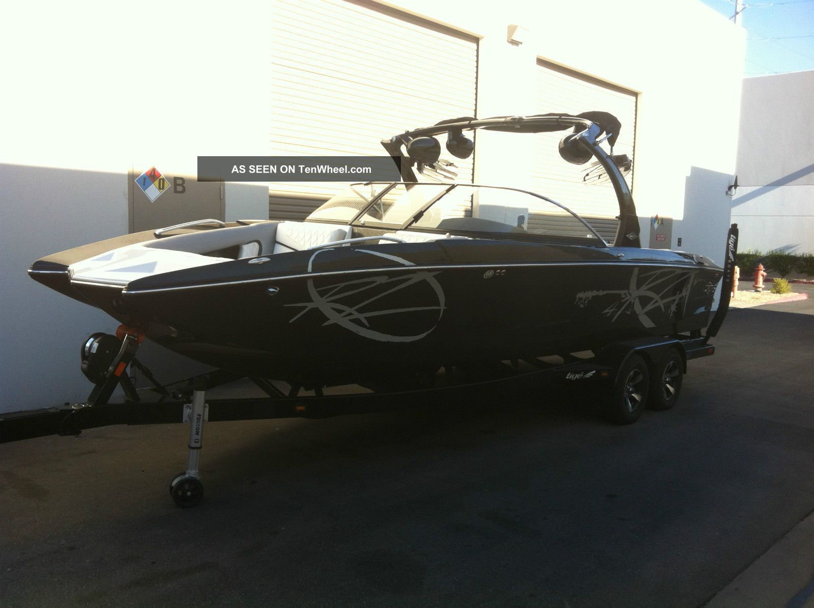 2013 Tige ' Rz4 Ski / Wakeboarding Boats photo