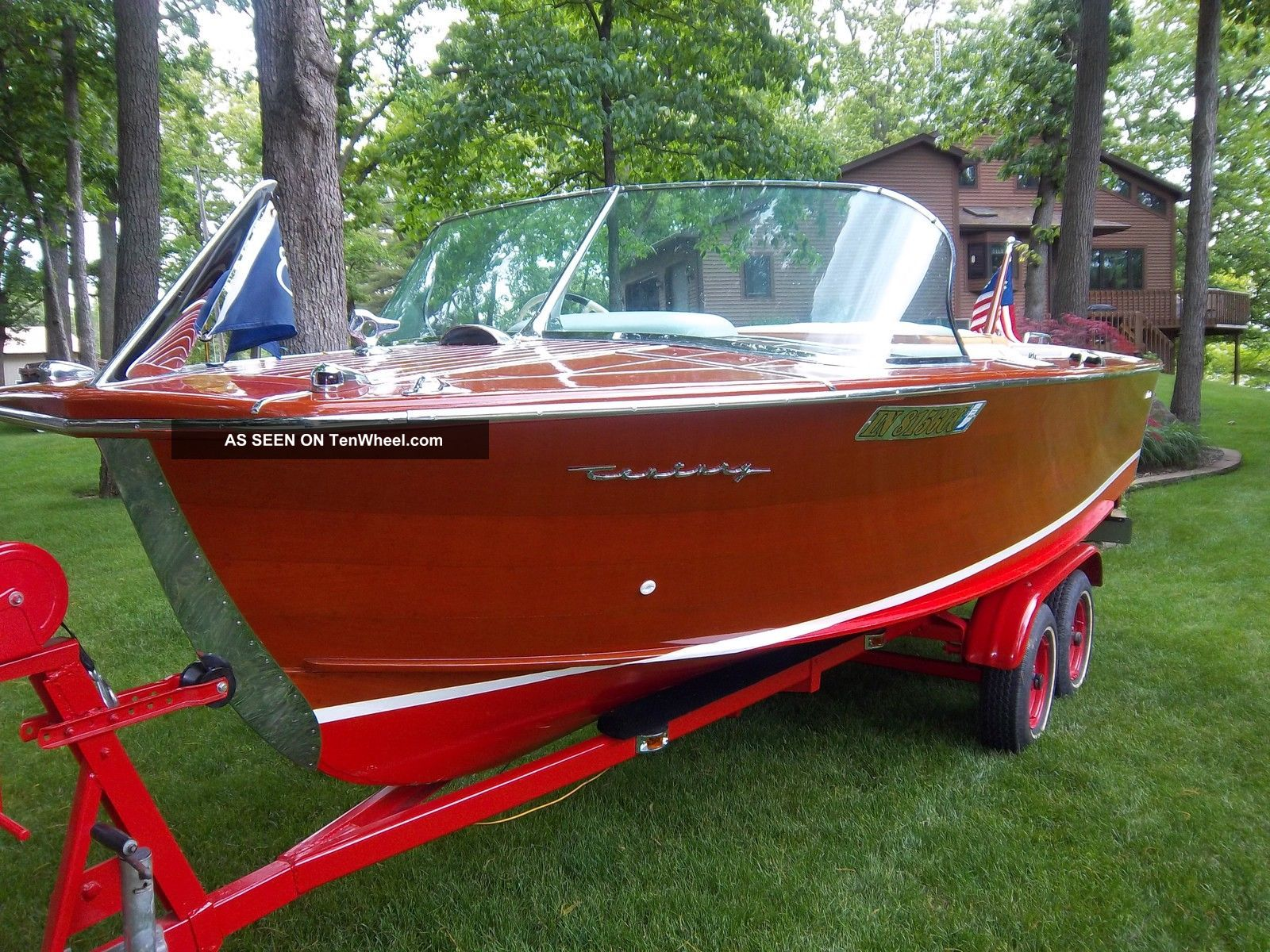 1961 Century Resorter Ski / Wakeboarding Boats photo