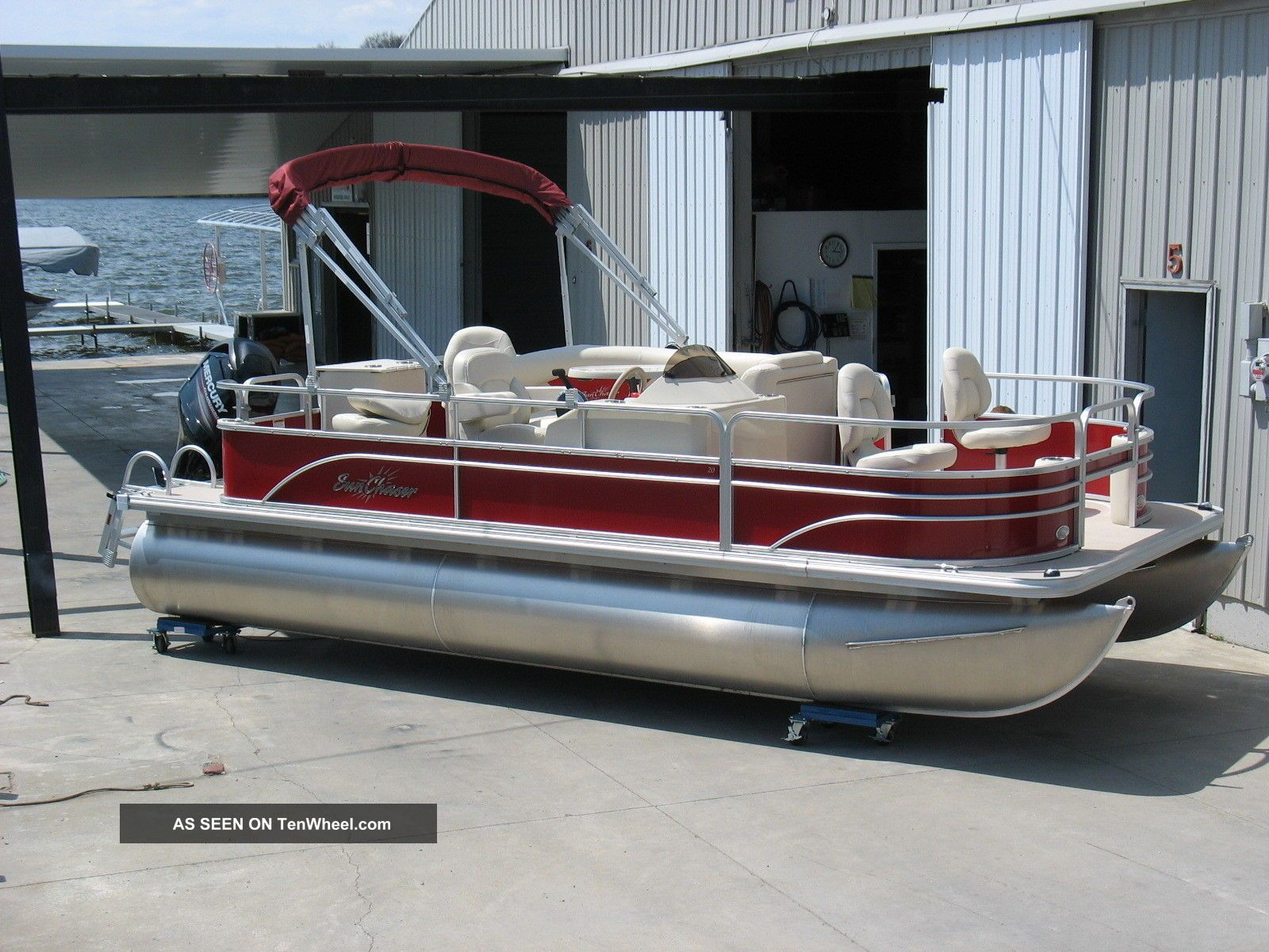2014 sunchaser by starcraft classic fish 8520 4 pt for Fishing deck boats