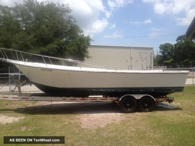 1988 Aquasport 29 ' Wide Body Center Console Offshore Saltwater Fishing photo