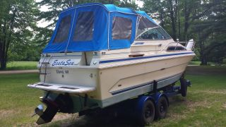 1985 Searay Sundancer photo