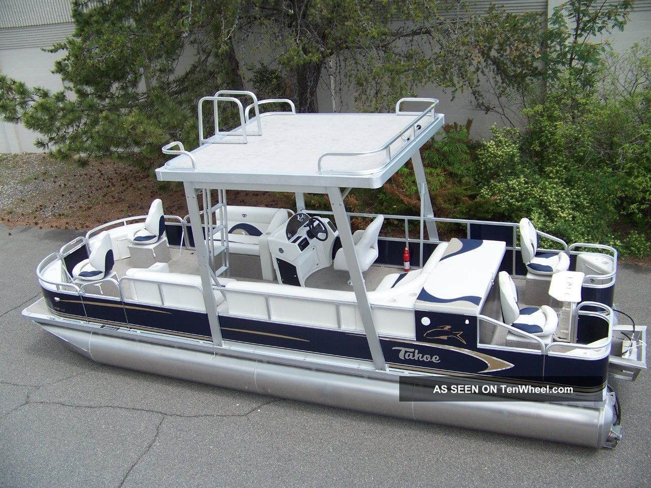 2012 Tahoe 24 Pontoon / Deck Boats photo