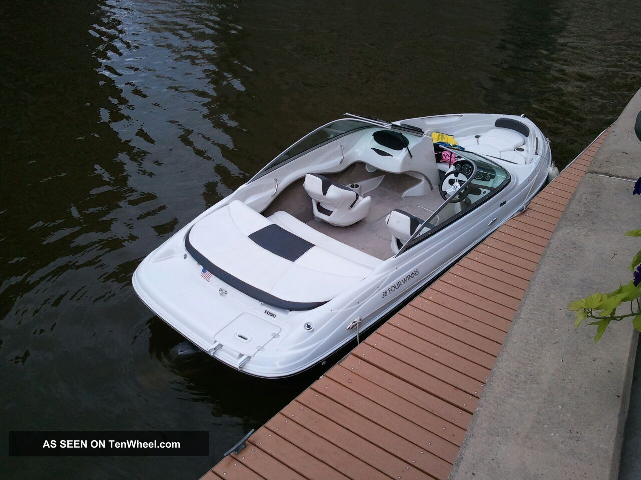 2011 Four Winns Horizon 190 Runabouts photo