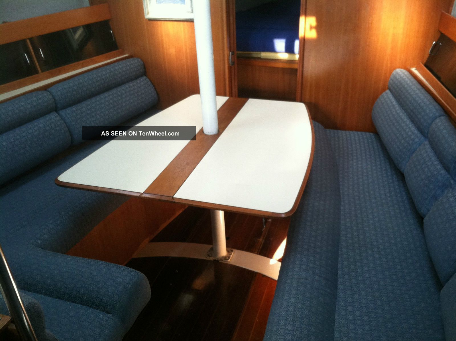 1988 Hunter Legend 35.  5 Sailboats 28+ feet photo
