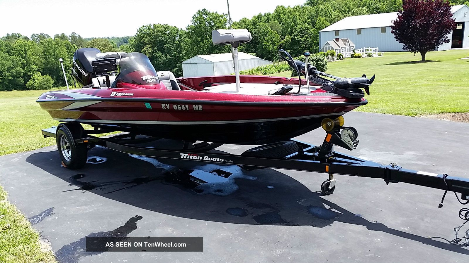 2009 Triton 18 Explorer Bass Fishing Boats photo