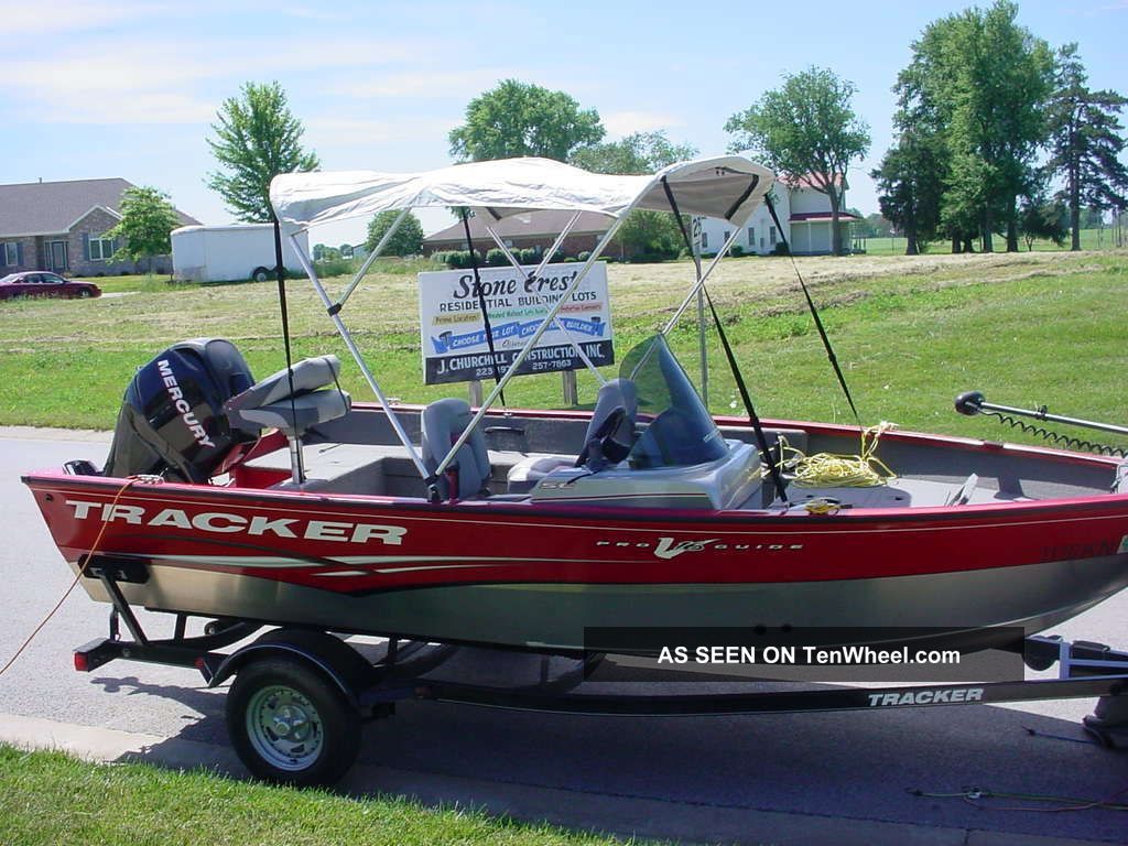 2012 Bass Tracker Pro Side Console Bass Fishing Boats photo