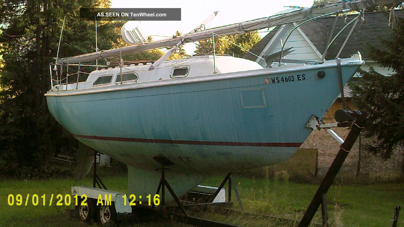 1973 Ericson Yachts 27 Sailboats 20-27 feet photo
