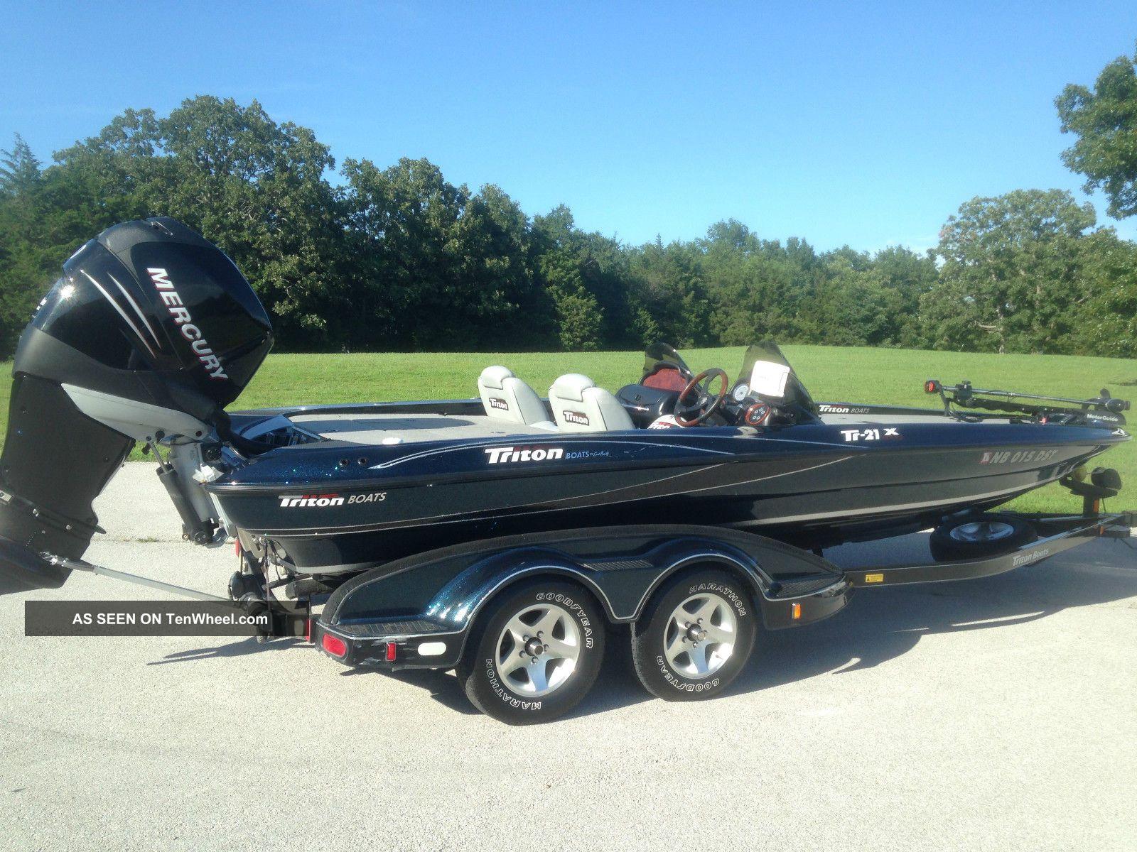 2005 Triton Tr21x Limited Edition Bass Fishing Boats photo