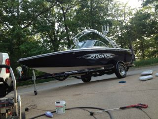 2005 Moomba Mobius photo
