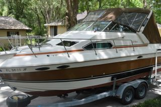1986 Sun Runner Cabin Cruiser photo