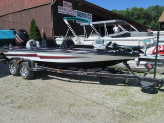 2014 Bass Cat Pantera Iv photo