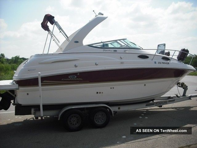 2005 Chaparral 260 Signature Cruisers photo