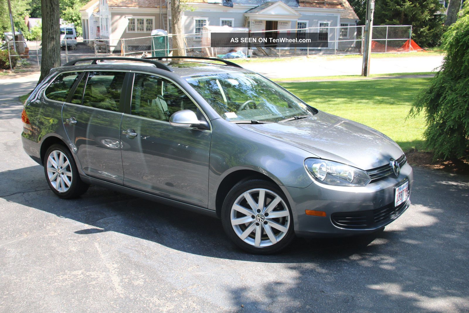 2012 Volkswagen Jetta Tdi Wagon 4 - Door 2.  0l Jetta photo