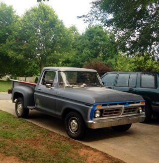 1977 Ford F100 Custom Shortbed Stepside photo
