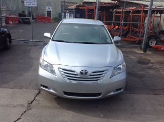 2009 Toyota Camry Le Sedan 4 - Door 2.  4l photo