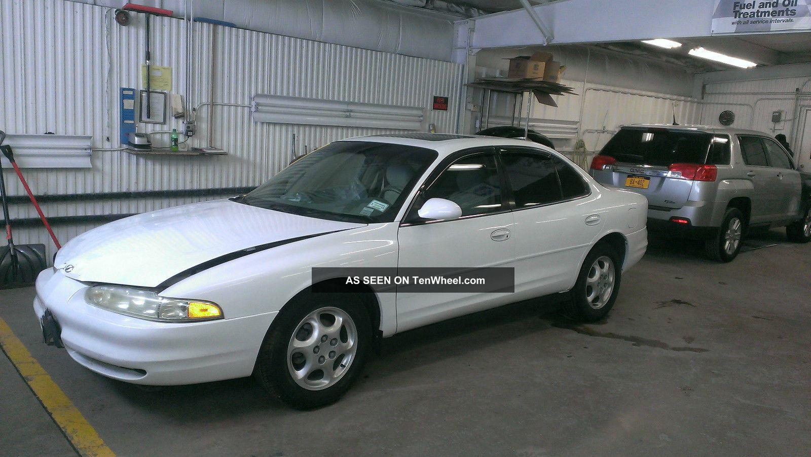 1999 Oldsmobile Intrigue Gls Sedan 4 - Door 3.  5l Intrigue photo