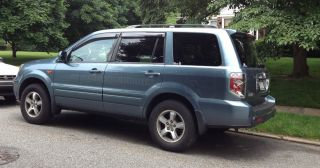 2007 Honda Pilot Exl Sport Utility 4 - Door 3.  5l - Light Blue photo