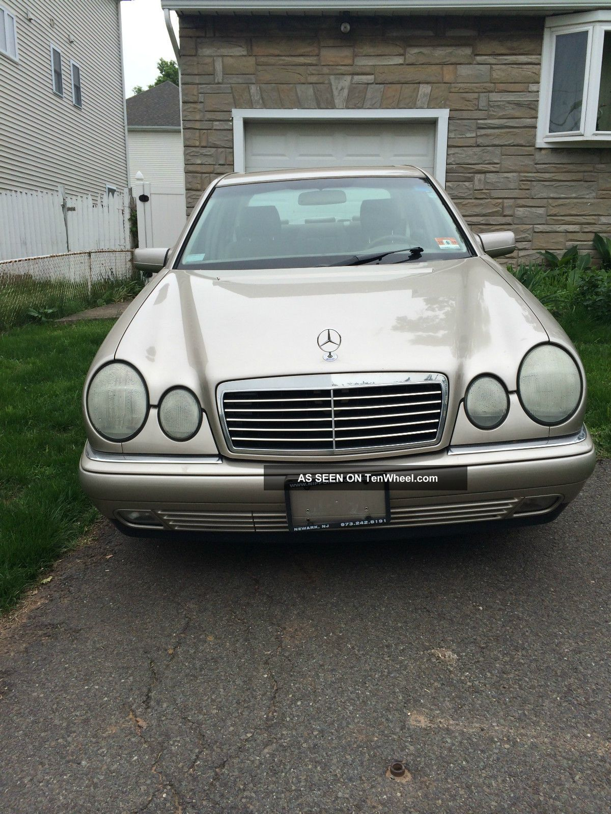 2000 Mercedes Benz E-Class photo