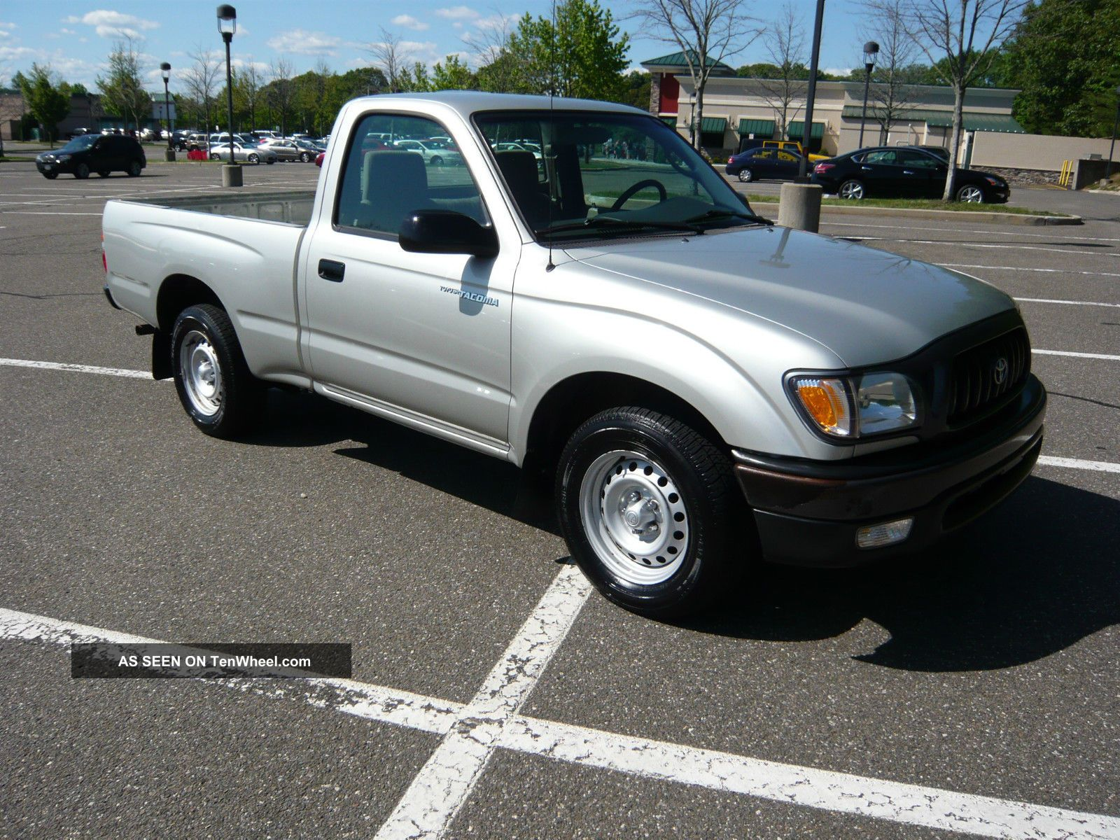 2004 Toyota Tacoma Base Standard Cab Pickup 2 - Door 2.  4l Tacoma photo