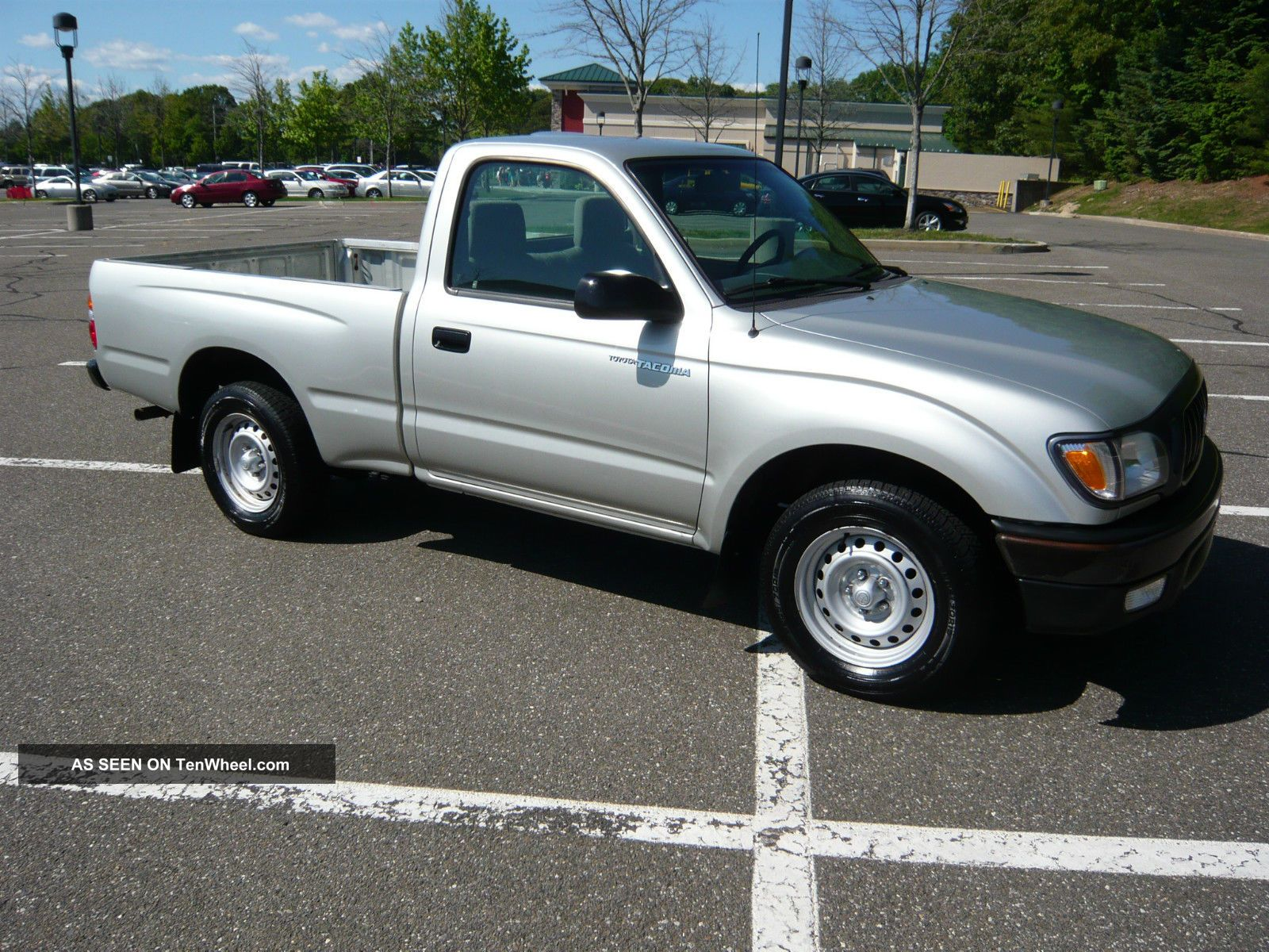 2004 toyota tacoma base standard cab pickup 2 door 2 4l. Black Bedroom Furniture Sets. Home Design Ideas
