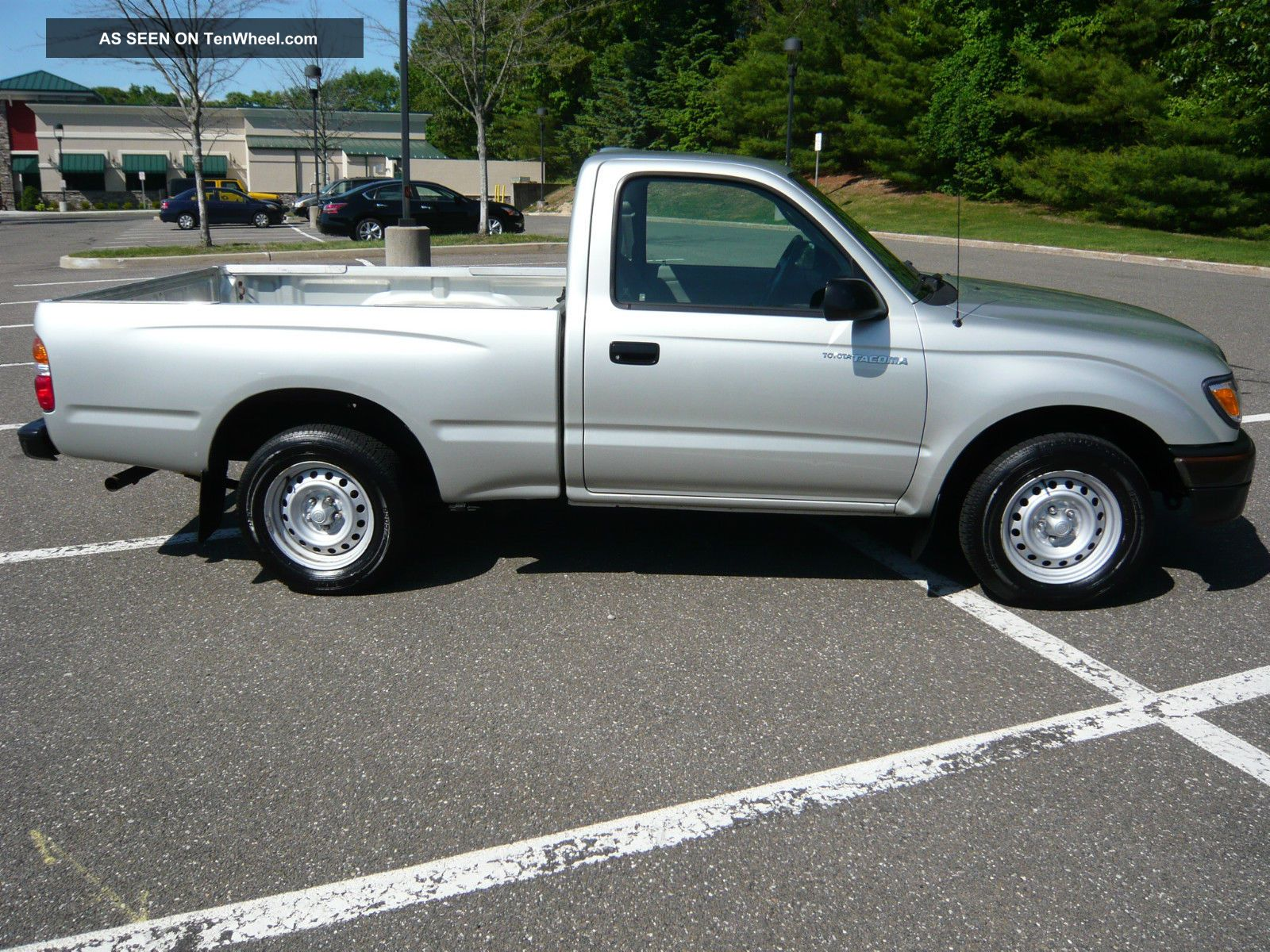 2004 Toyota Tacoma Base Standard Cab Pickup 2 Door 2 4l