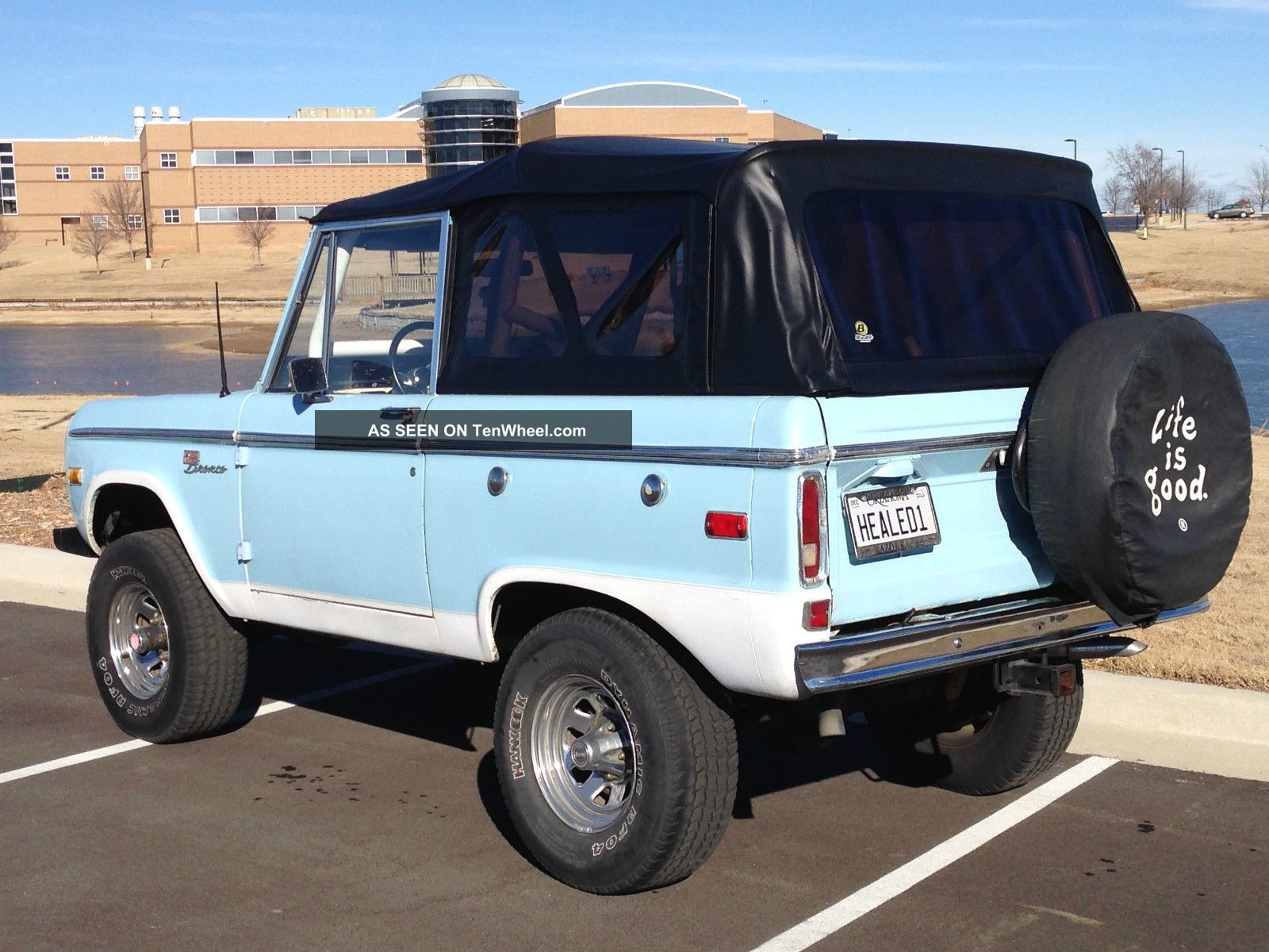 1972 Ford Bronco Sport 4x4 Uncut Fenders,  302v8,  Manual 3 - Speed,  Hard & Soft Top Bronco photo