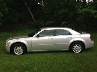 2005 Chrysler 300 2.  7l V6 In Very photo