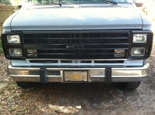 1991 Chevy Van G20,  305v8,  Auto,  Runing Boards,  Runs Good,  Ready For Your Paint photo
