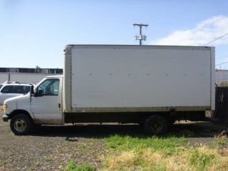14ft 2002 Ford E - 350 Duty Econoline Base Cutaway Box Truck Van 2 - Door 5.  4l photo