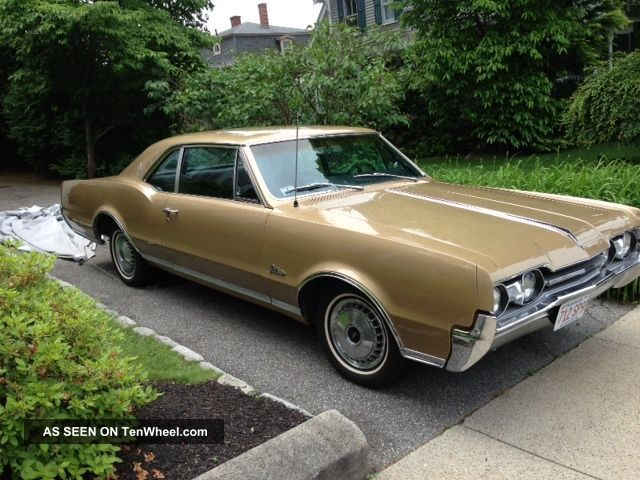 1967 Oldsmobile Cutlass Supreme - All Matching Numbers - Florentine Gold Cutlass photo