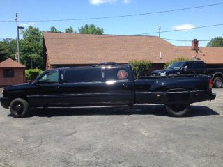 2004 Chevy Silverado K3500 Dually Limo photo